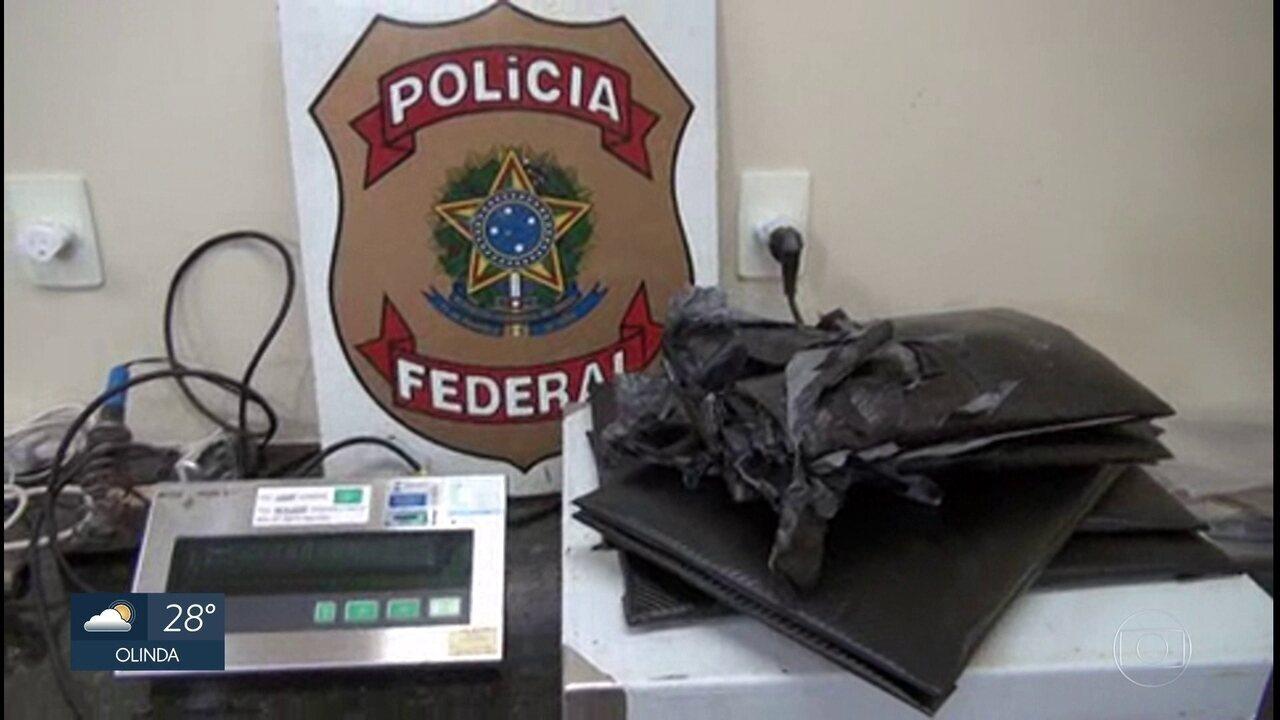 Polícia Federal prende dupla com cocaína escondida na bagagem no Aeroporto do Recife