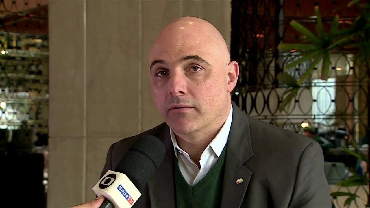 Maurício Galiotte, presidente do Palmeiras, comenta erros de arbitragem