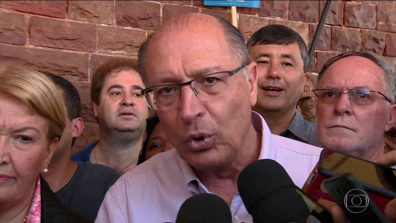 Candidato do PSDB, Geraldo Alckmin, faz campanha no interior de São Paulo
