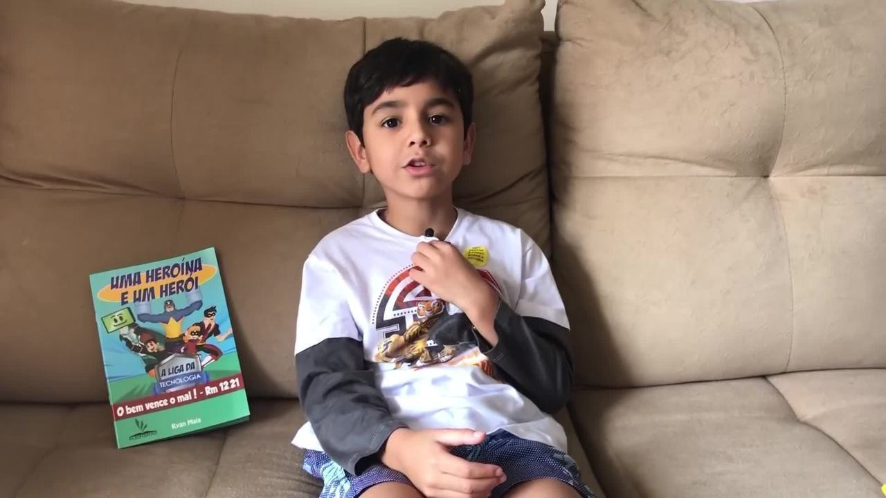 Conheça Ryan Maia, jovem escritor brasiliense que lançou o primeiro livro aos 6 anos