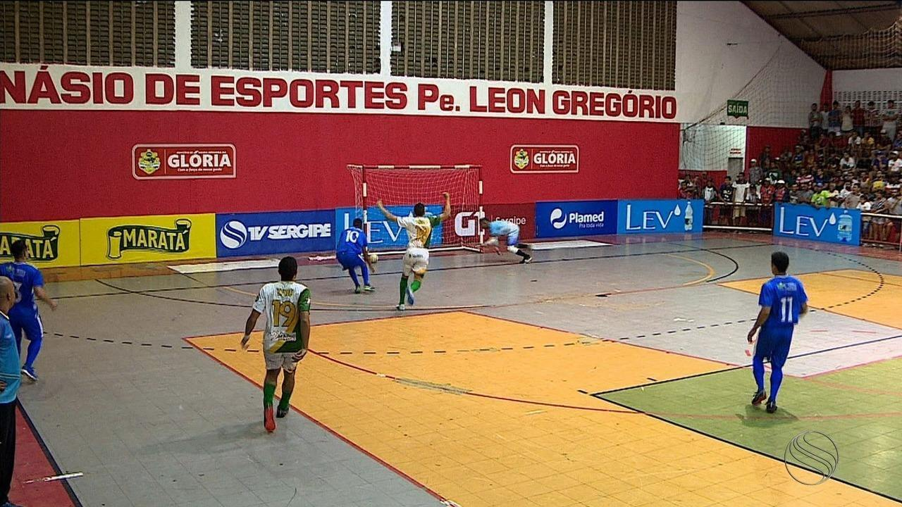 Cumbe derrota seleção de Glória e avança como primeira do grupo D