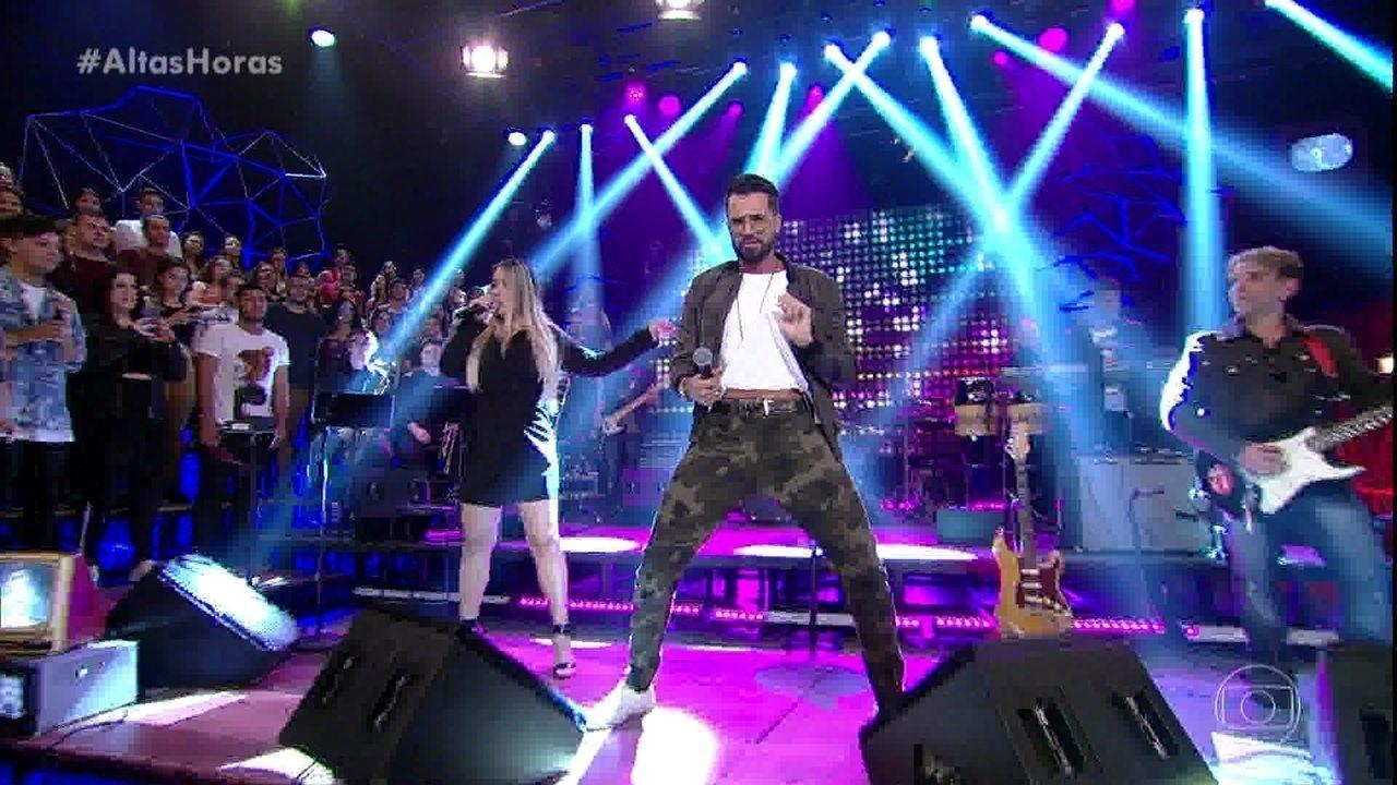 Latino canta 'Festa no Apê'