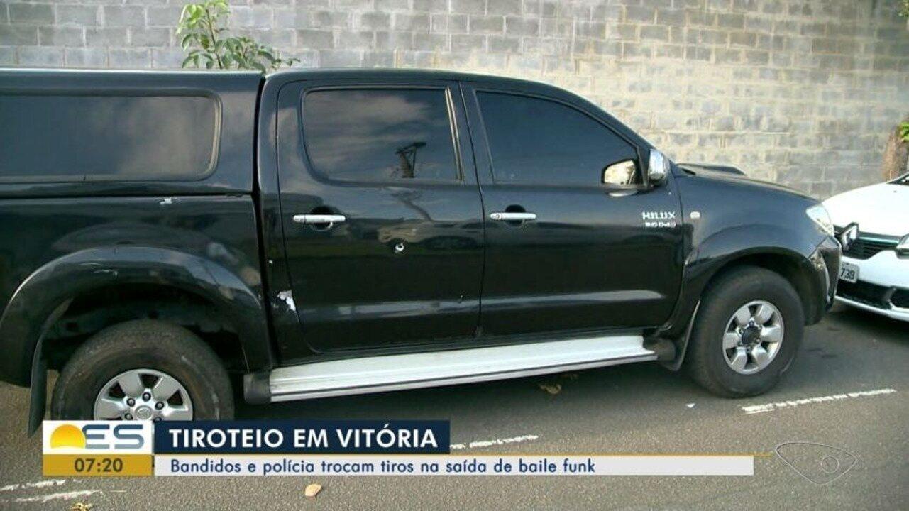Troca de tiros entre suspeitos e polícia termina com dois ficam feridos, em Vitória