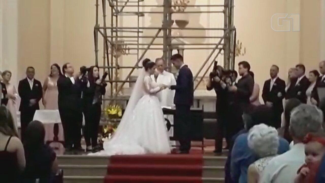 Andaime atrapalha casamentos em Sorocaba