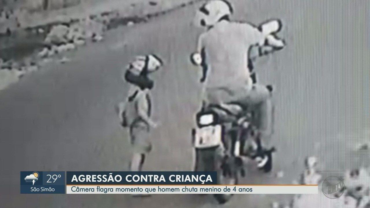 7066685 - Padrasto agride menino de 4 anos com chute no peito no meio da rua em Sertãozinho, SP; veja vídeo