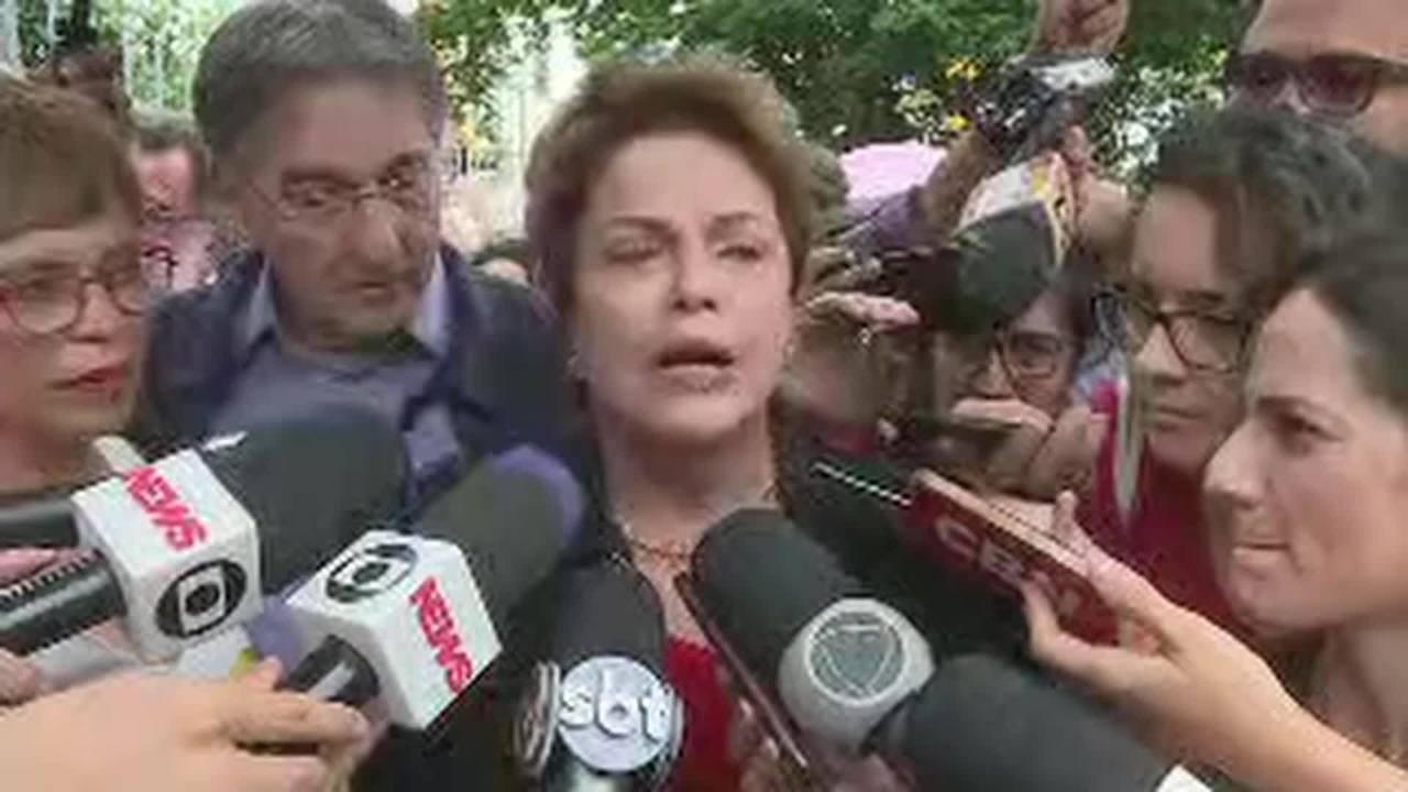 Ex-presidente Dilma Rousseff (PT) vota em Belo Horizonte