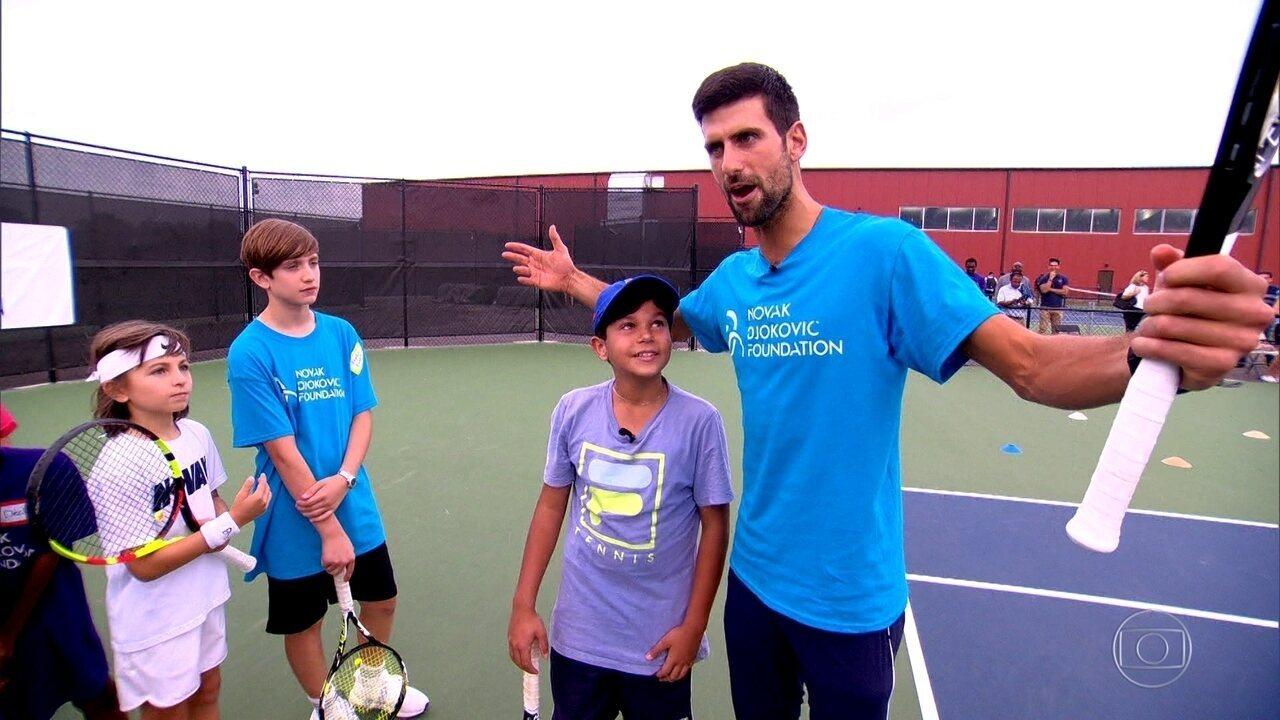 Descoberto em projeto social da Rocinha, Valtinho realiza sonho de conhecer Djokovic