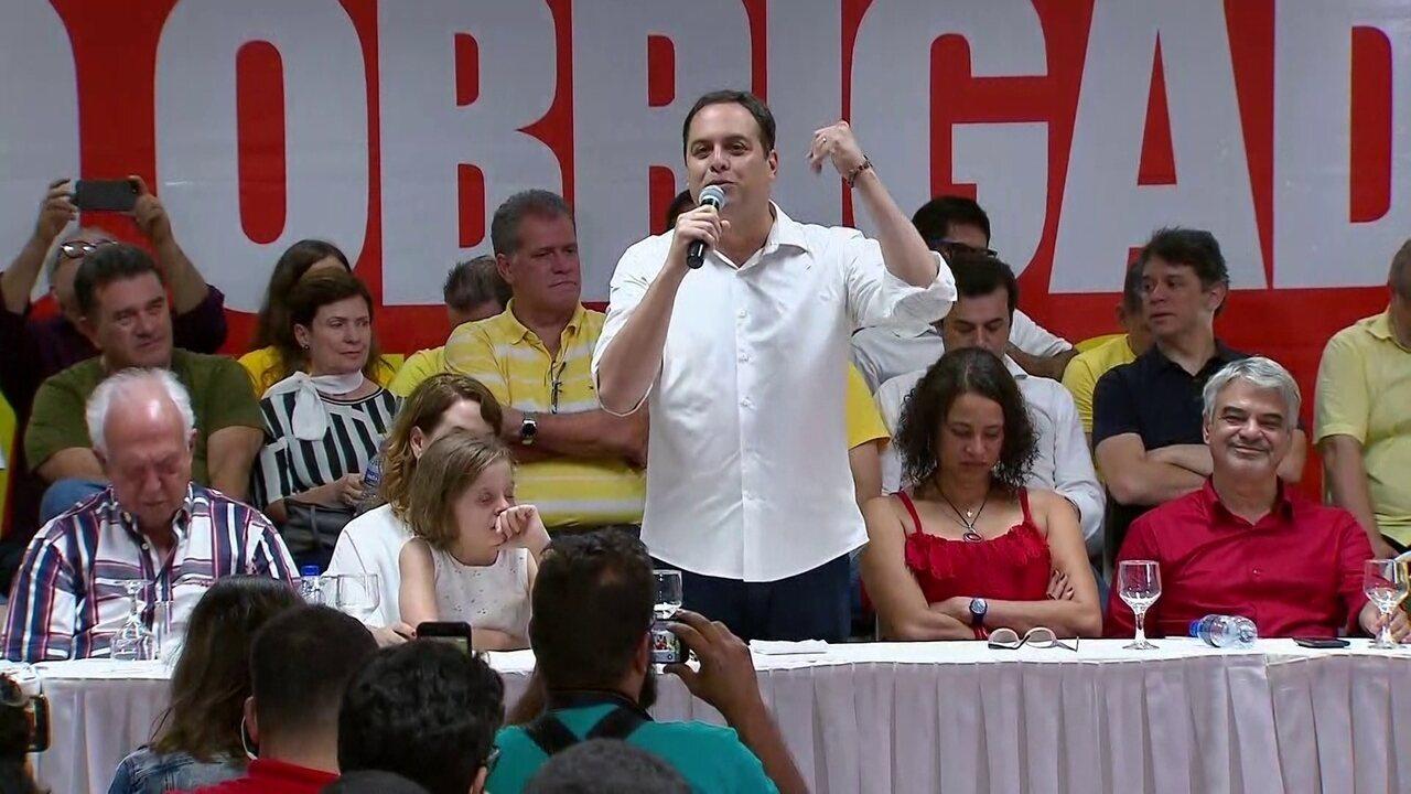 Governador reeleito de Pernambuco, Paulo Câmara comemora vitória em 1º turno