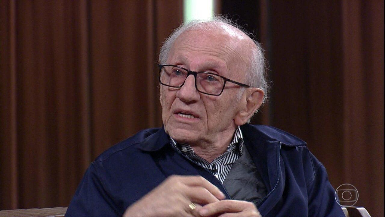 Andor Stern conta como era o dia a dia no campo de extermínio