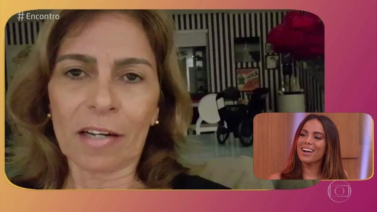 Mãe de Anitta manda recado para a filha