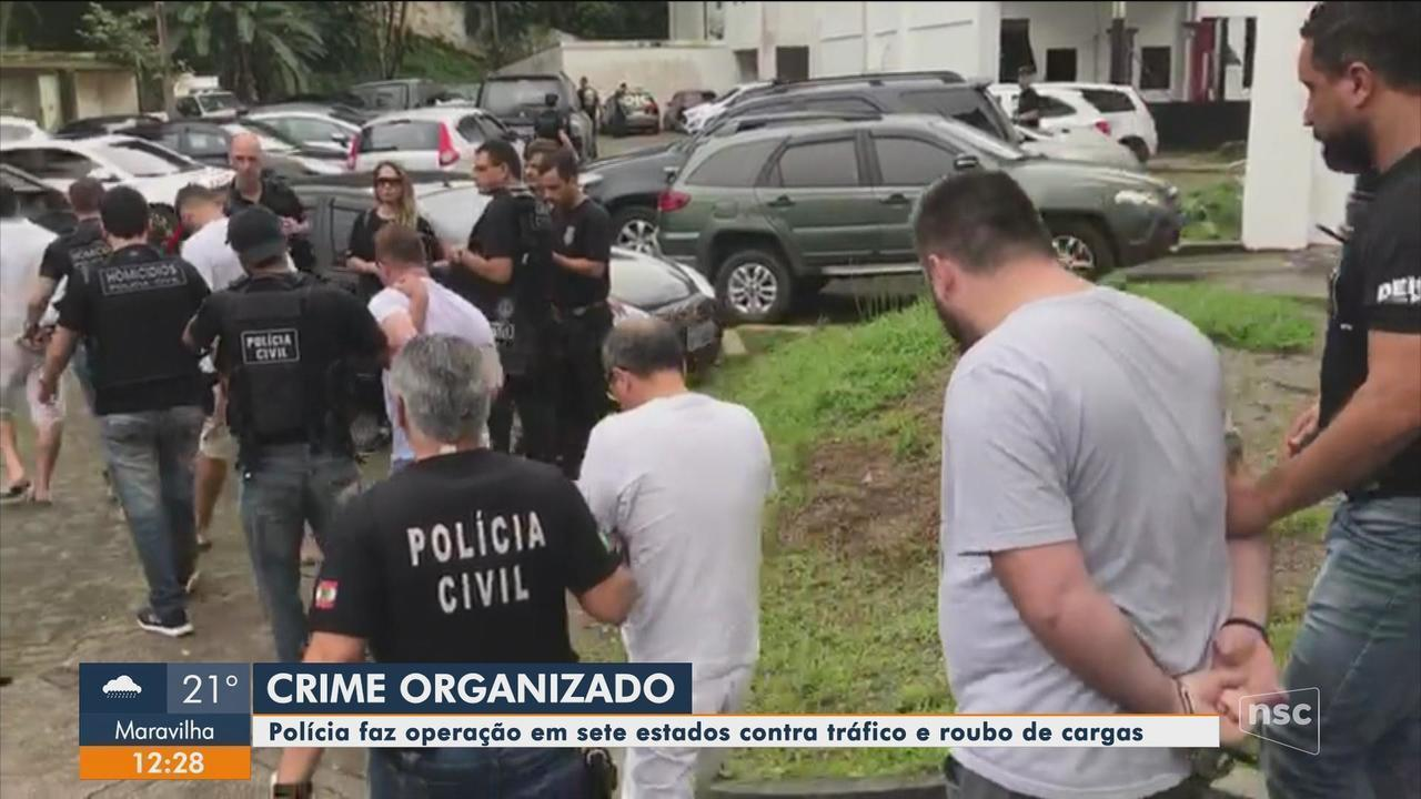 Polícia Civil cumpre mandados de prisão em cinco cidades de SC