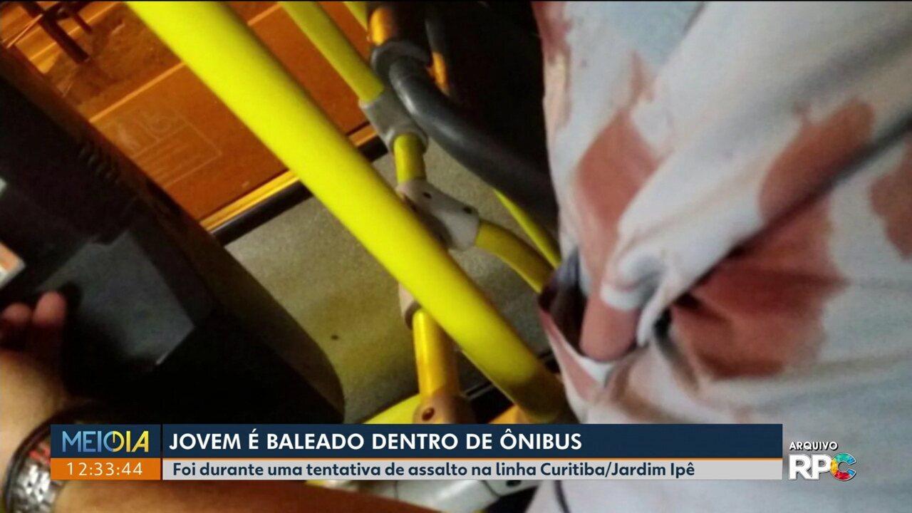 Jovem é baleado dentro de ônibus da linha Curitiba / Jardim Ipê