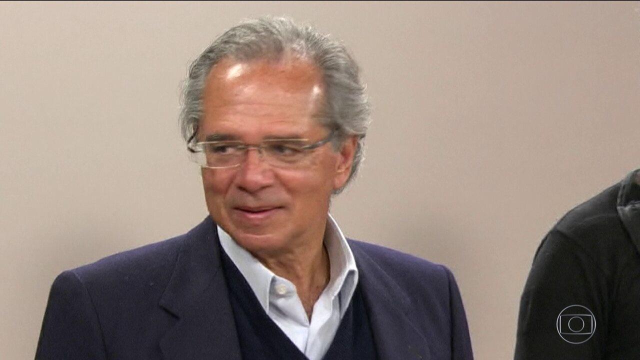 MP investiga assessor de Bolsonaro por suspeita de fraude em fundos