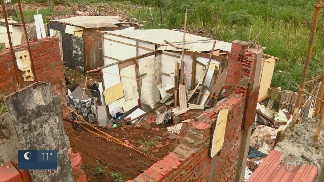 Homem que morreu soterrado após muro da casa desabar é enterrado em Piracicaba
