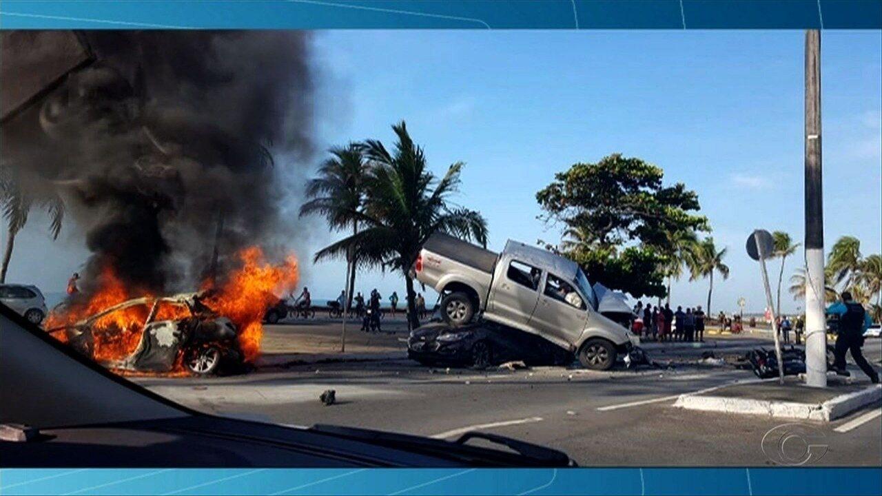 Acidente deixa uma pessoa morta e duas feridas na Avenida Assis Chateaubrianda, em Maceió