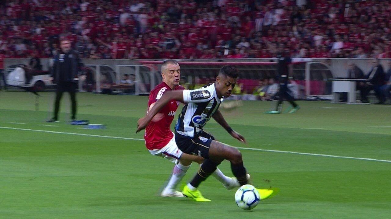 Melhores momentos: Internacional 2 x 2 Santos pela 30ª rodada do Brasileirão 2018