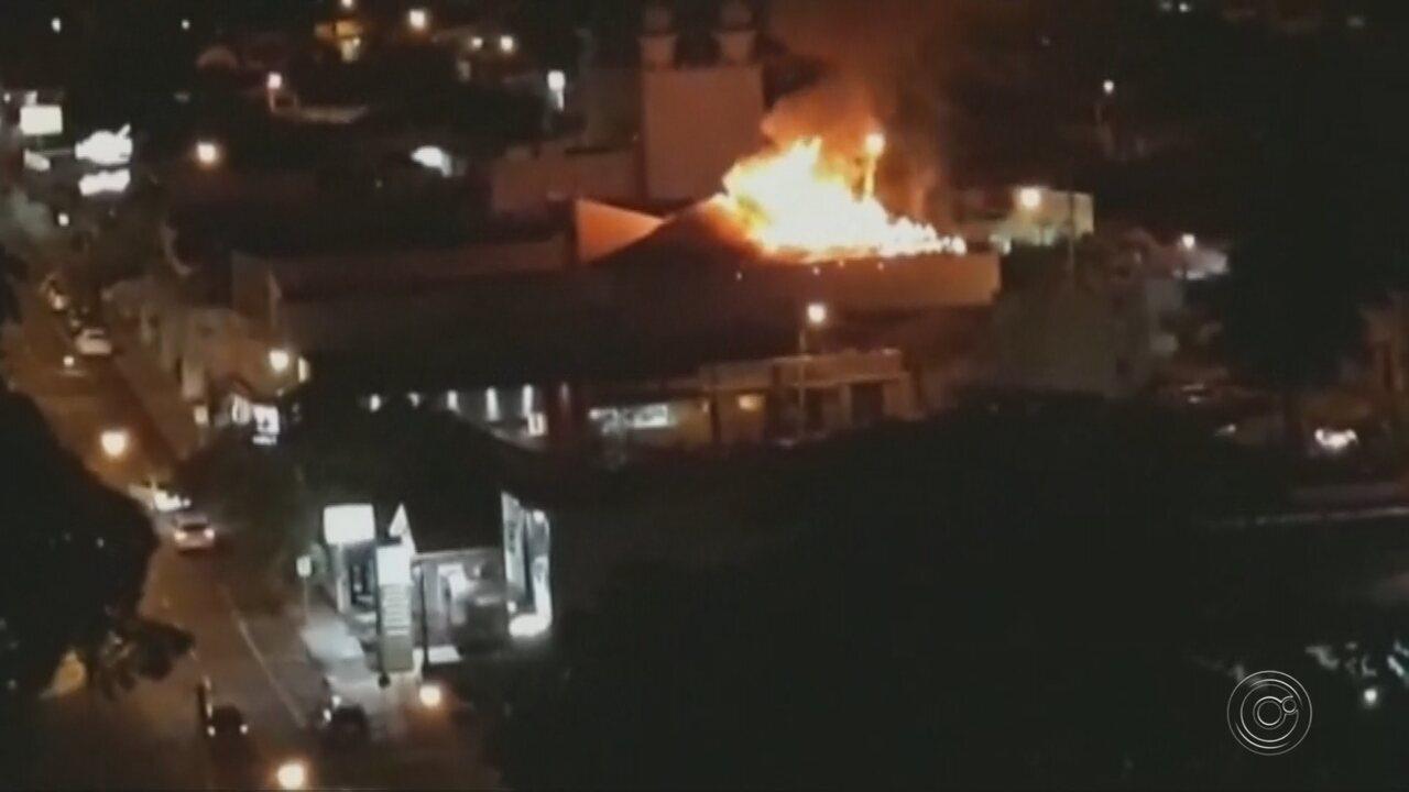 Incêndio danifica loja maçônica em Rio Preto
