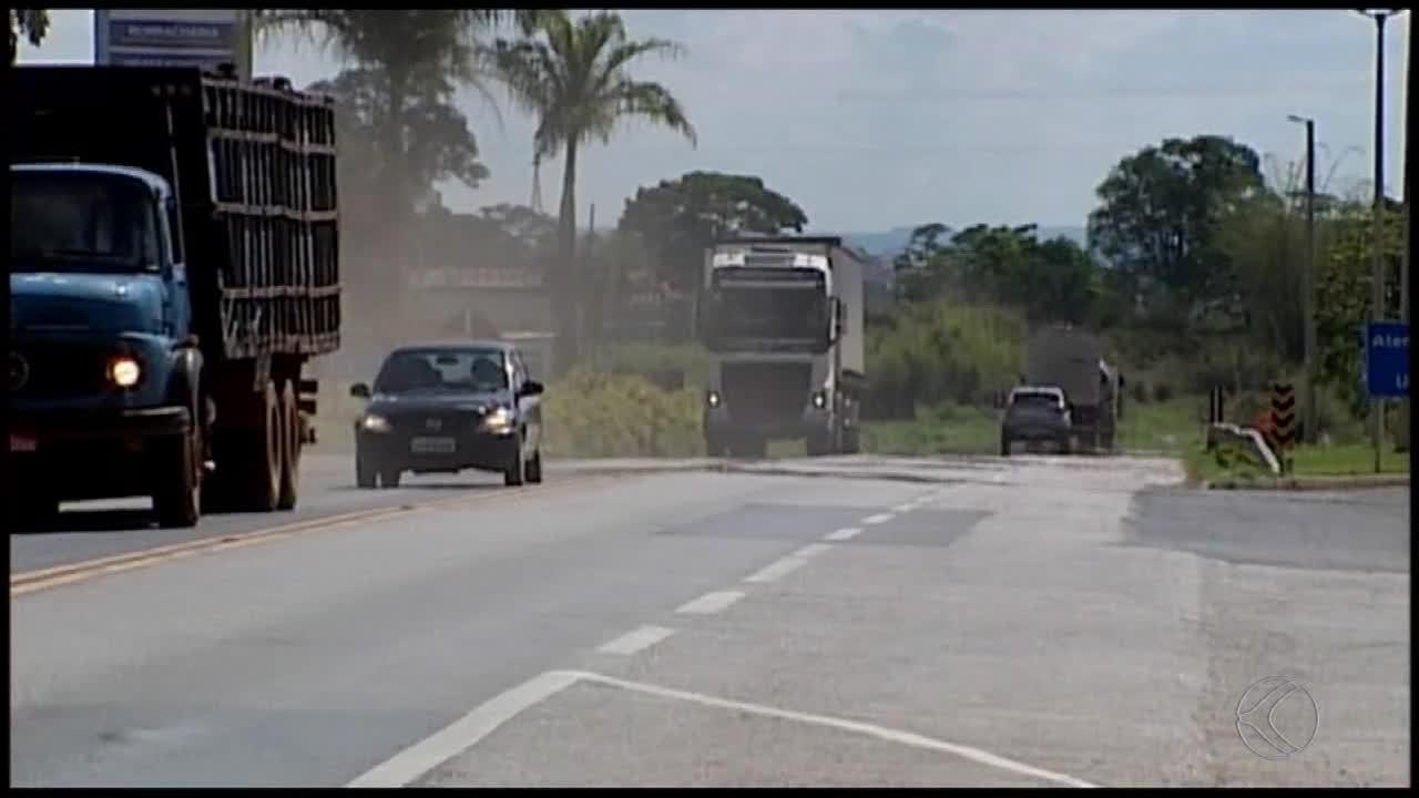Balança de pesagem está há quase 2 meses desativada na BR-262, em Araxá