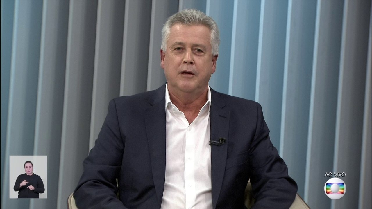 Rollemberg dá entrevista à TV Globo; Ibaneis não compareceu ao debate