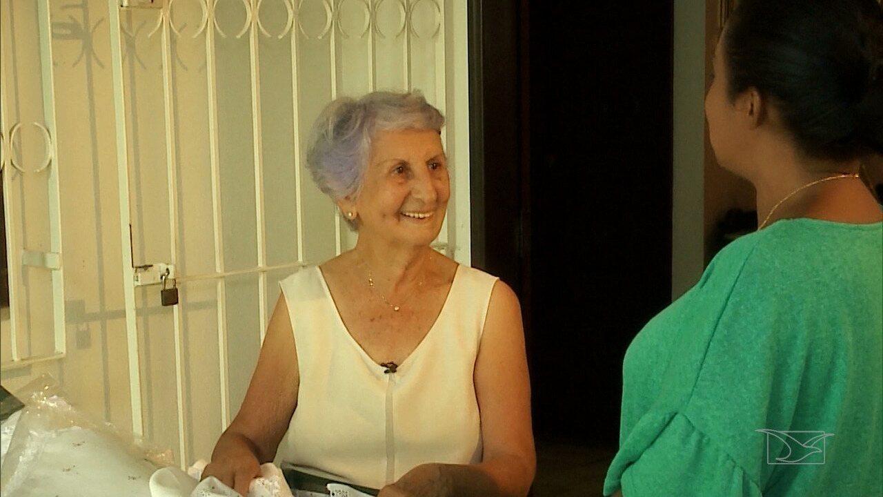Maria Yeda, de 84 anos, exibiu grandes talentos em seus bordados feitos em toalhas