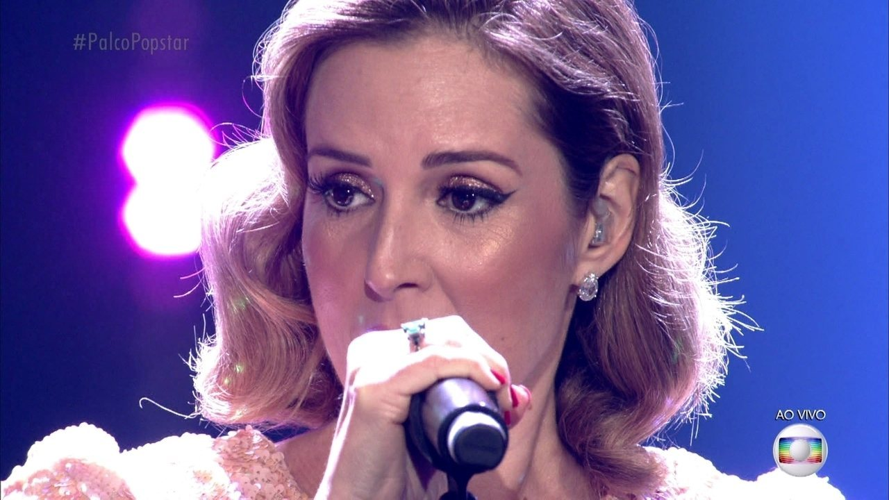 Renata Capucci canta 'Let's Stay Together'