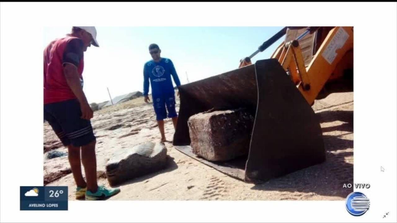Pacotes sem identificação são encontrados em praias do Piauí e recolhidos para análise