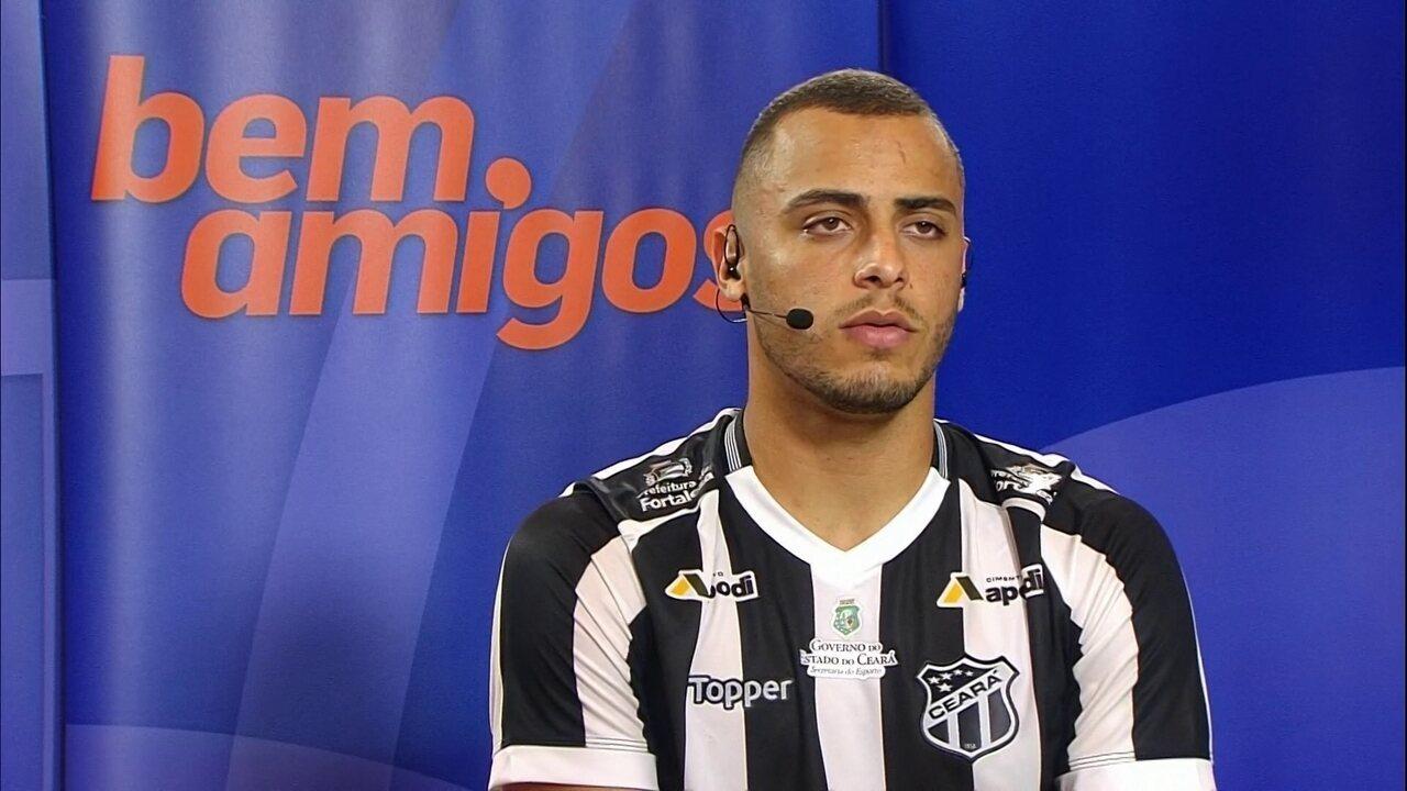 98a70db3a5 Arthur festeja vitória do Ceará para