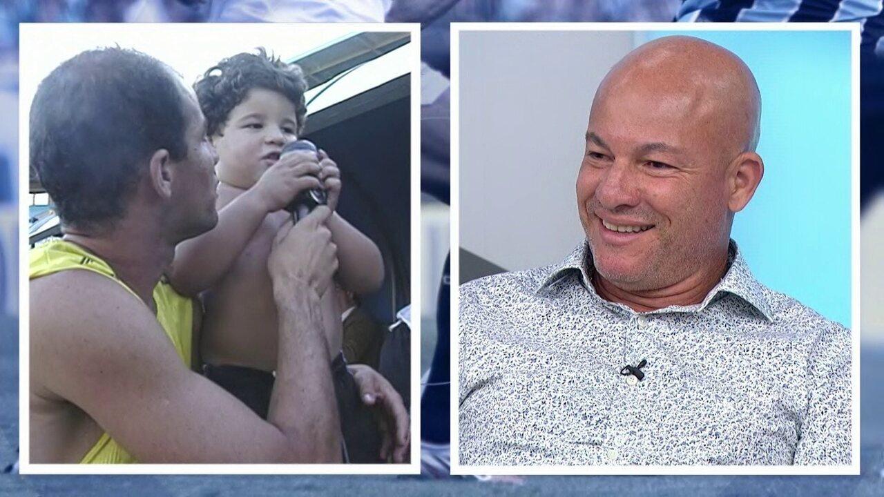 Baú do Bem: Dinho revê imagens da época em que jogava pelo Grêmio: