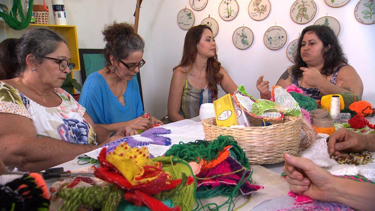 Conheça uma turma que borda flores e se uniu pela iniciativa da artista visual Dora Araújo