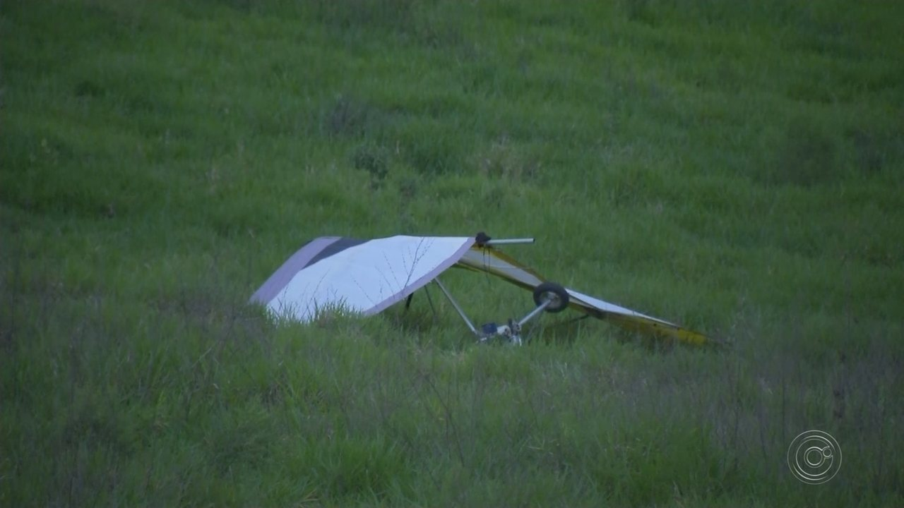 Ultraleve cai em estrada e piloto fica ferido em Iperó