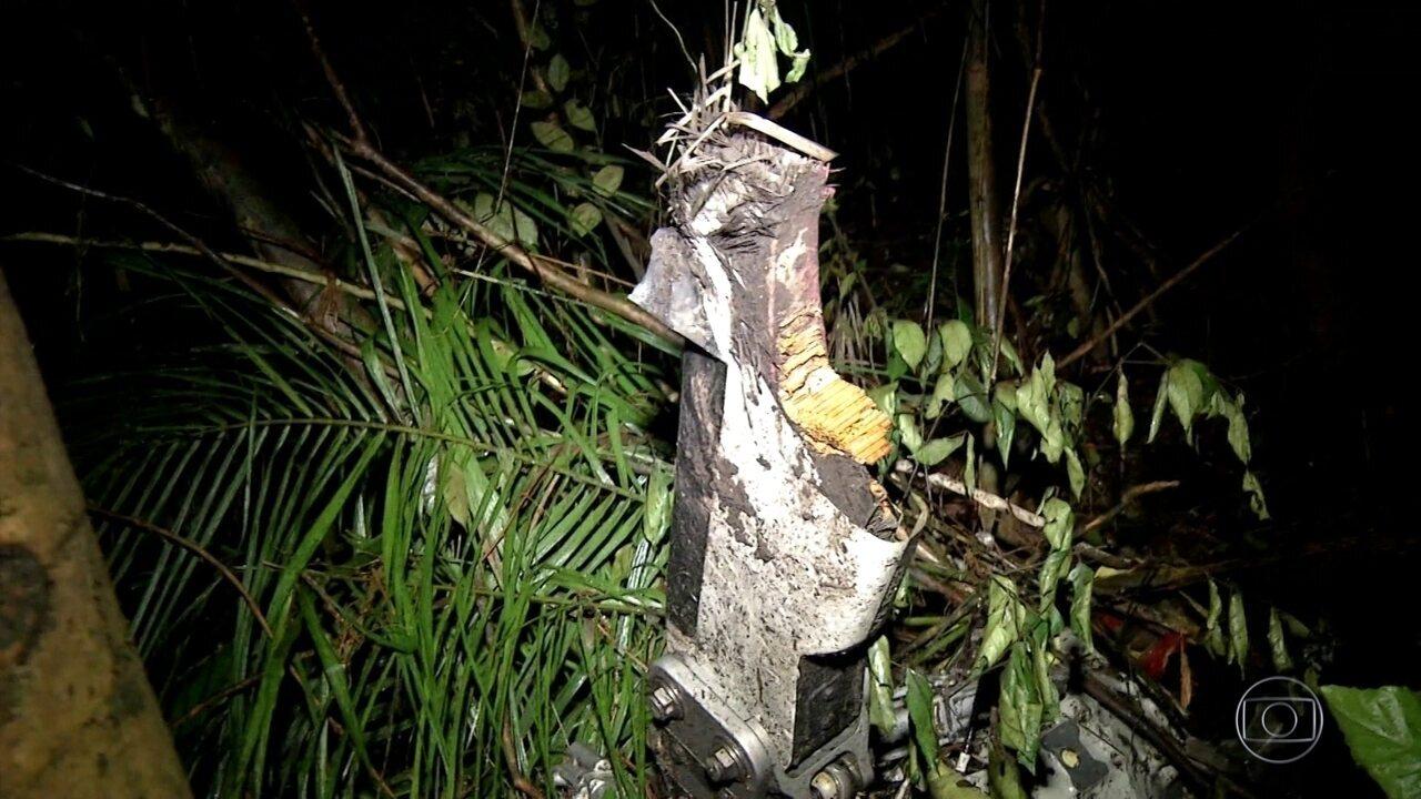 Queda de avião mata 5 pessoas em Minas Gerais; em Mogi das Cruzes, outras 5 pessoas morreram em queda de helicóptero.
