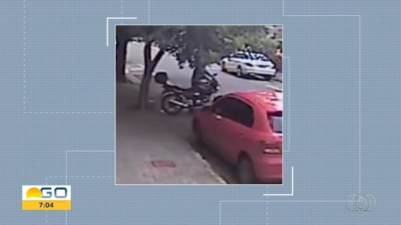 Moto é furtada em 10 segundos, no Setor Oeste, em Goiânia