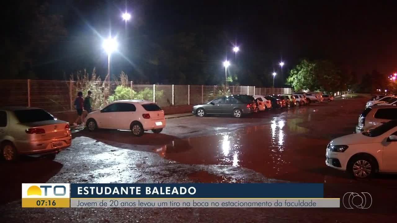 Estudante de 20 anos levou um tiro na boca no estacionamento da faculdade