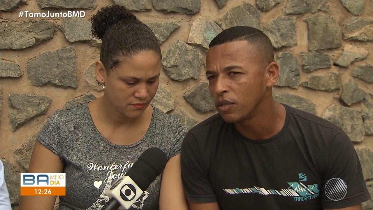 Exclusivo: pais de gêmeas siamesas falam sobre a morte de uma das filhas