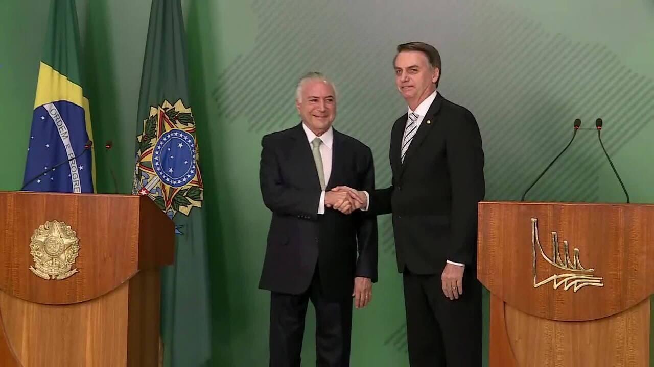 Bolsonaro e Temer falam sobre a transição presidencial