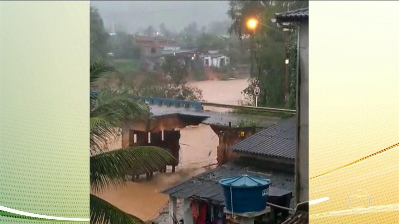 Chuva causa transtornos no Rio de Janeiro