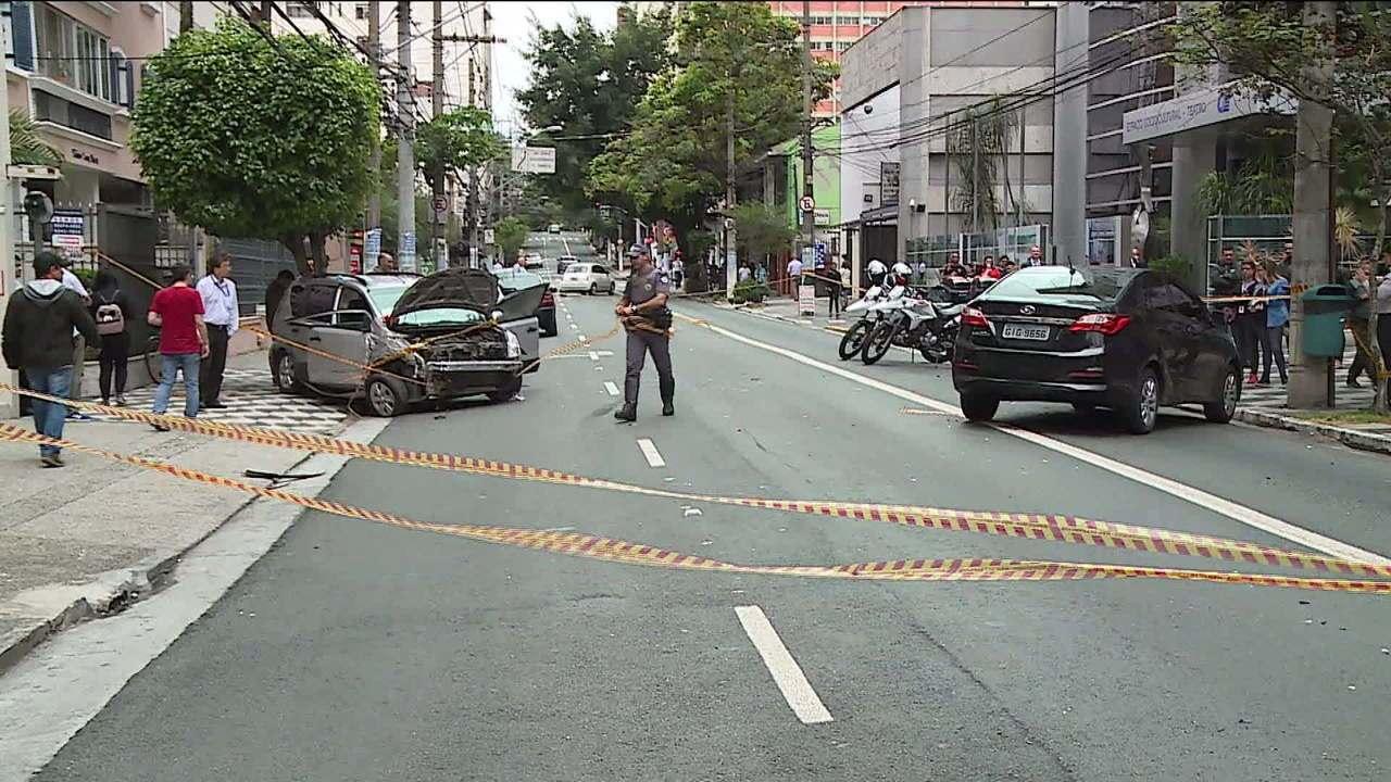 Acidente interdita rua Tabapuã por 5 horas