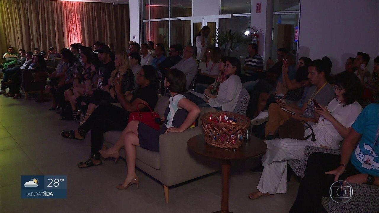 Pré-estreia do documentário 'Capital do Brega', da GloboNews, reúne artistas e fãs