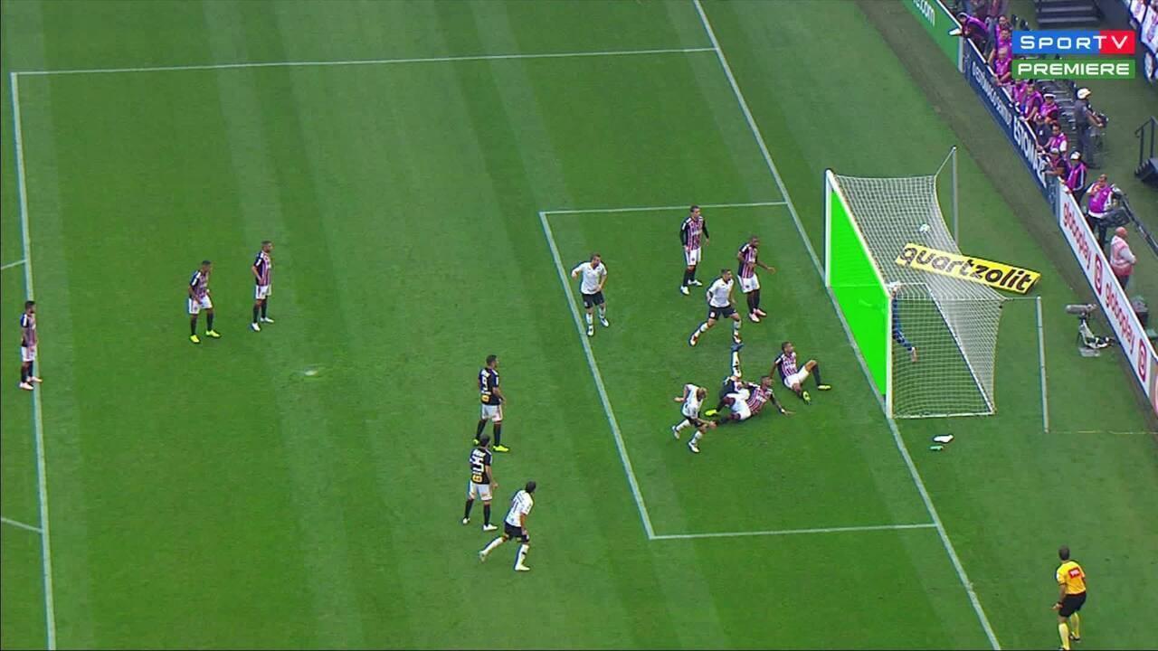 Gaciba: arbitragem errou ao não assinalar gol e pênalti a favor do Corinthians