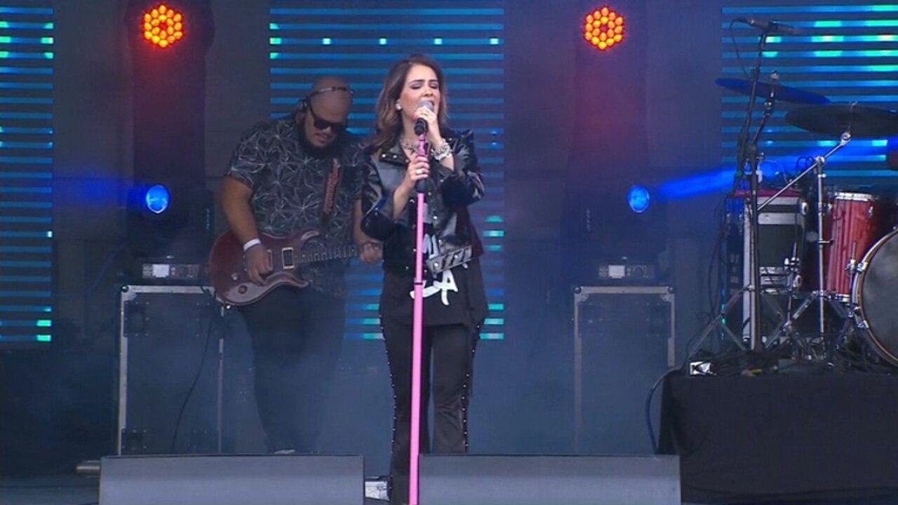 Cantora Pamela inaugurou o palco do Festival Promessas 2018