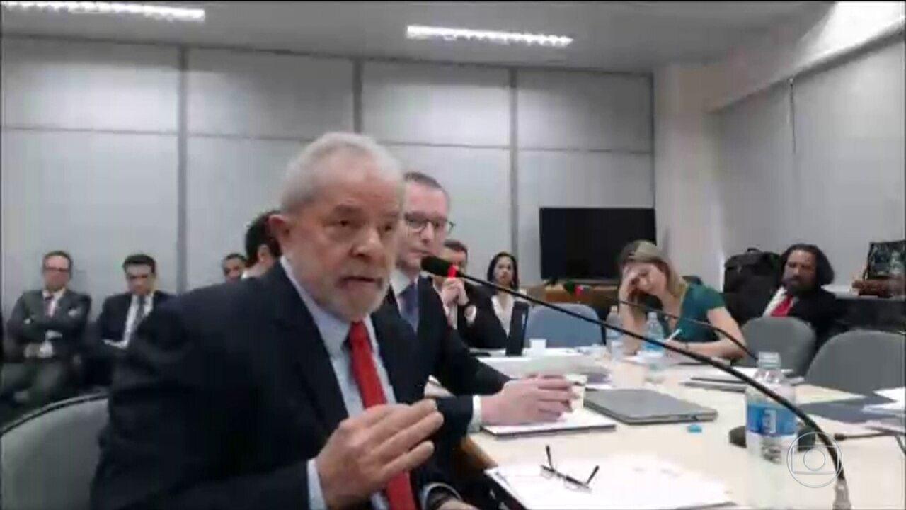 Lula faz perguntas à juíza, que responde: 'Eu não estou sendo interrogada'