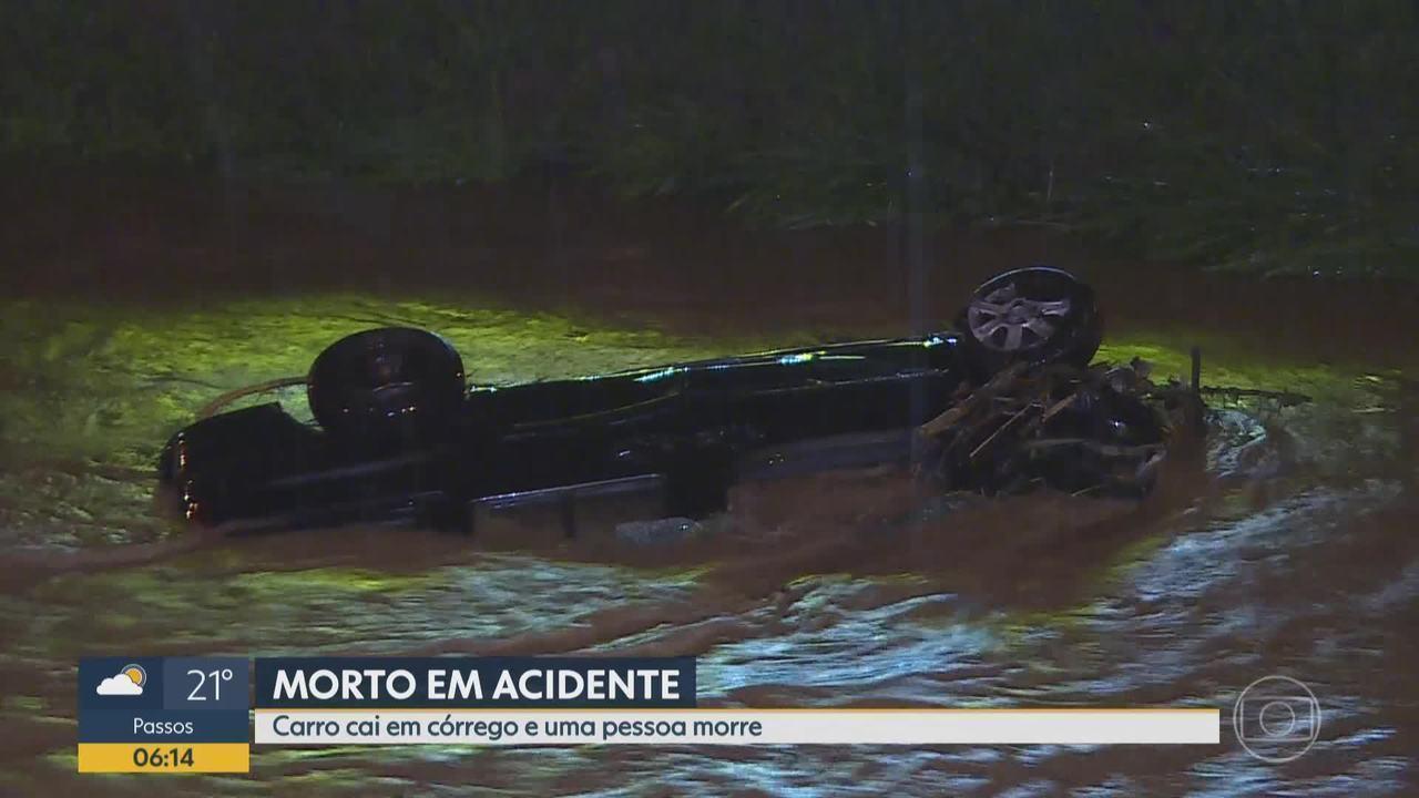 Carro cai em córrego e provoca uma morte em Betim