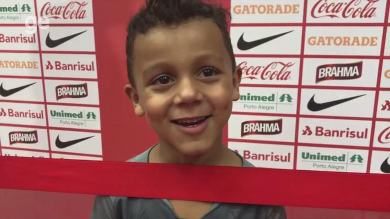 Edenílson dedica gol ao seu filho Murilo no jogo contra o América-MG
