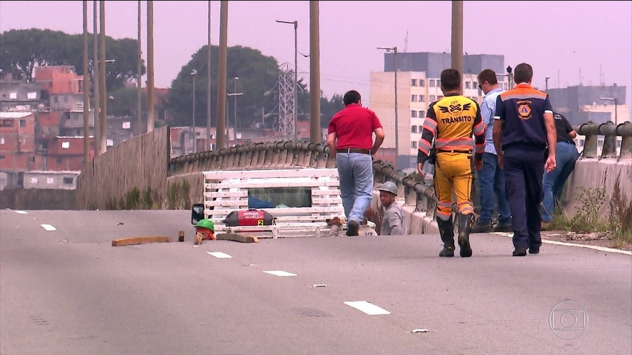 Prefeitura de São Paulo alerta que o viaduto corre o risco de desabar