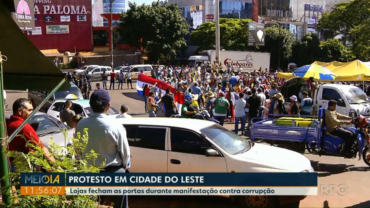 Lojas fecham as portas durante manifestação contra corrupção no Paraguai