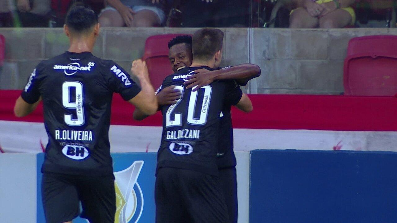 Os gols de Internacional 1 x 2 Atlético-MG pela 36ª rodada do Campeonato Brasileiro