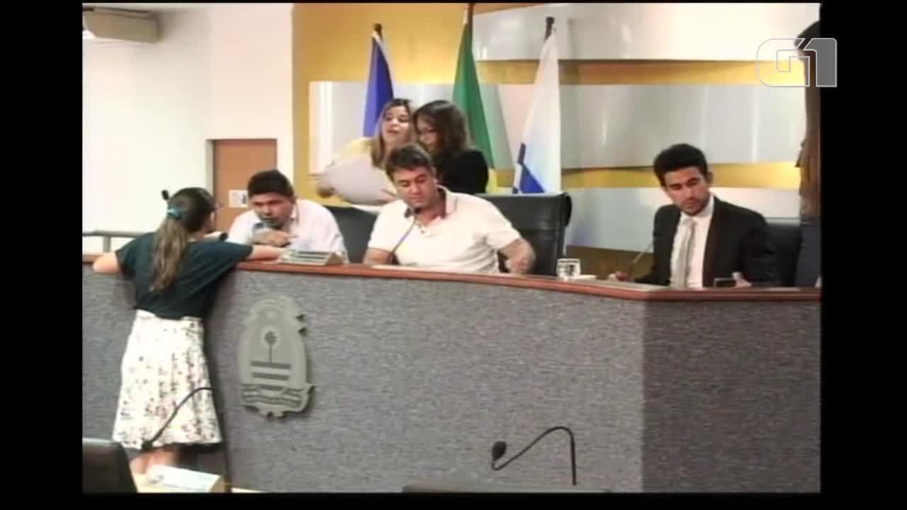 Vereador fala que é a favor da pedofilia durante sessão da comissão e justiça em Palmas
