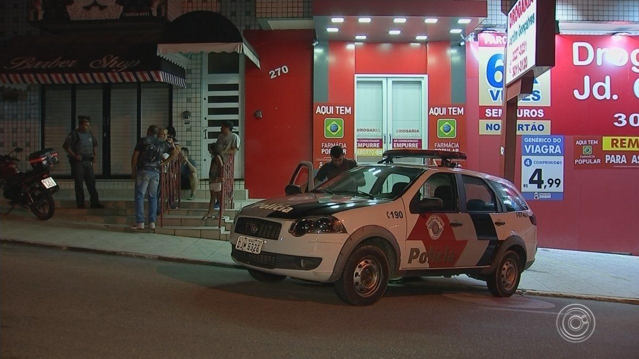 Testemunhas relatam momentos de pânico durante assalto a farmácia em  Sorocaba f0e2d14449