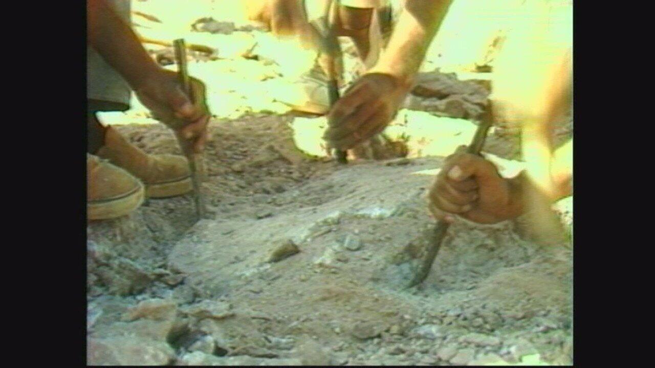 Monte Alto - Terra dos Dinossauros: escavações rudimentares na década de 1990