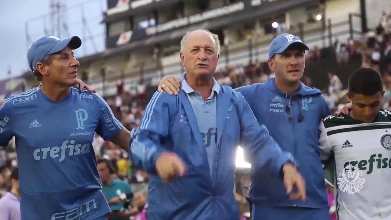 f8d17c7186 Bastidores do deca  veja trechos do papo de Felipão com o time após o título